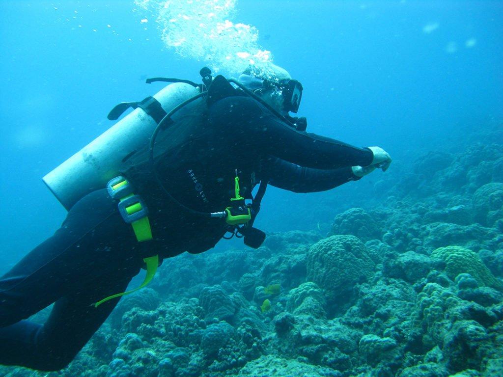 Learn to scuba dive in Vanuatu!