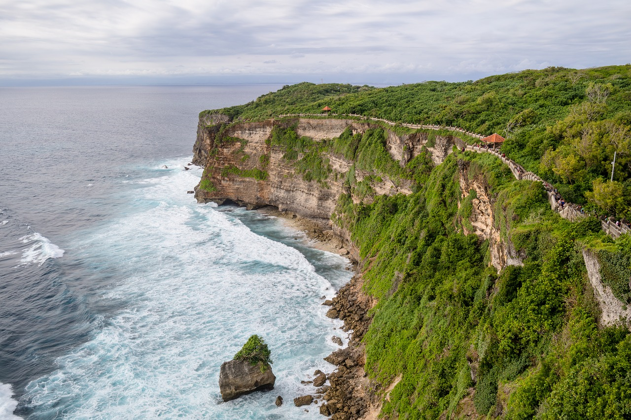 6 stunning places to stay in bali you 39 re missing out on for Bali places to stay