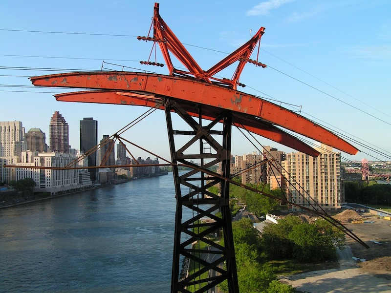 What to do in New York in 5 days - ride the Roosevelt Island cable car