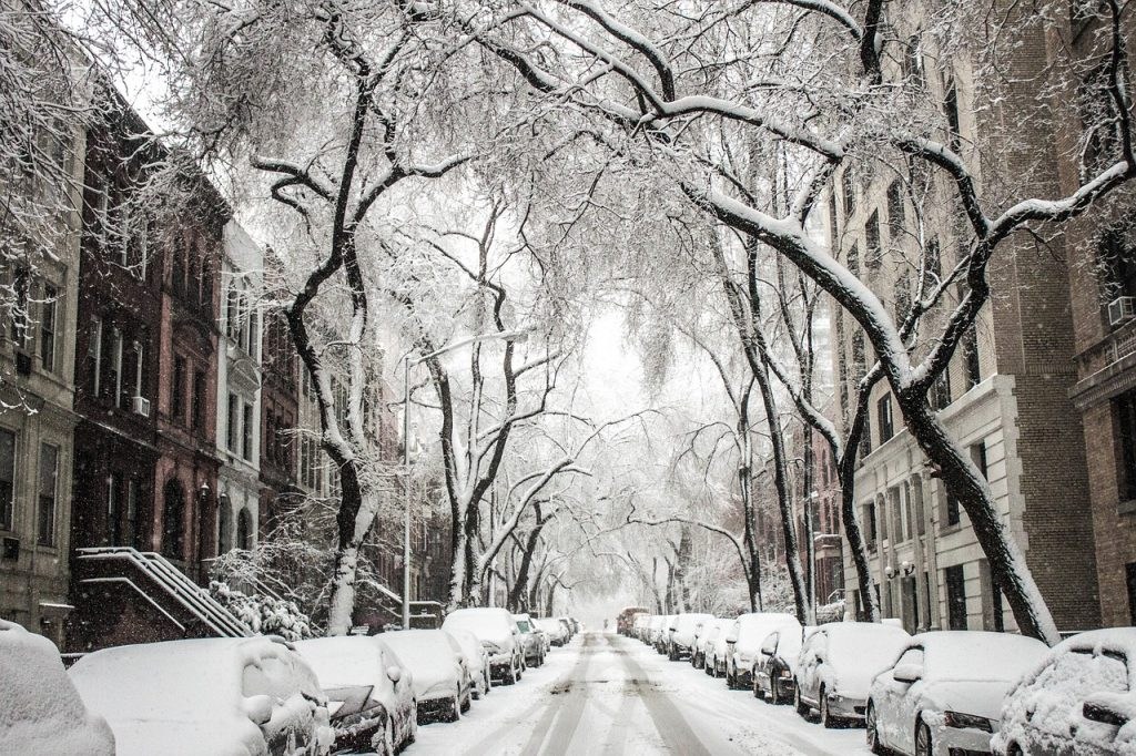 81e94136c Jokes aside, packing for New York in winter isn't hard at all if you're  used to cold weather. If you come from a place where snow is both  mesmerizing and ...